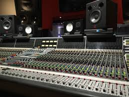5 Essential Tips To Become A Professional Sound Engineer